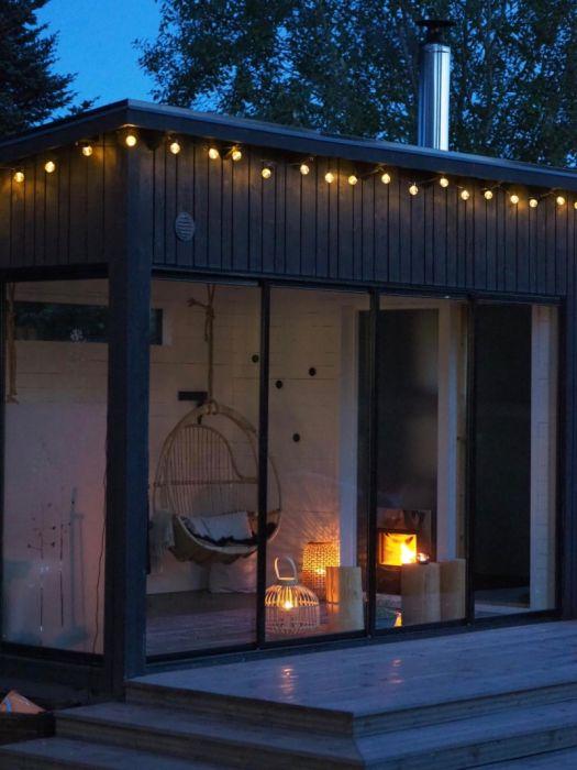 Huone1 Moderni Sauna ja lasitettu takkahuone SH180 18 m2
