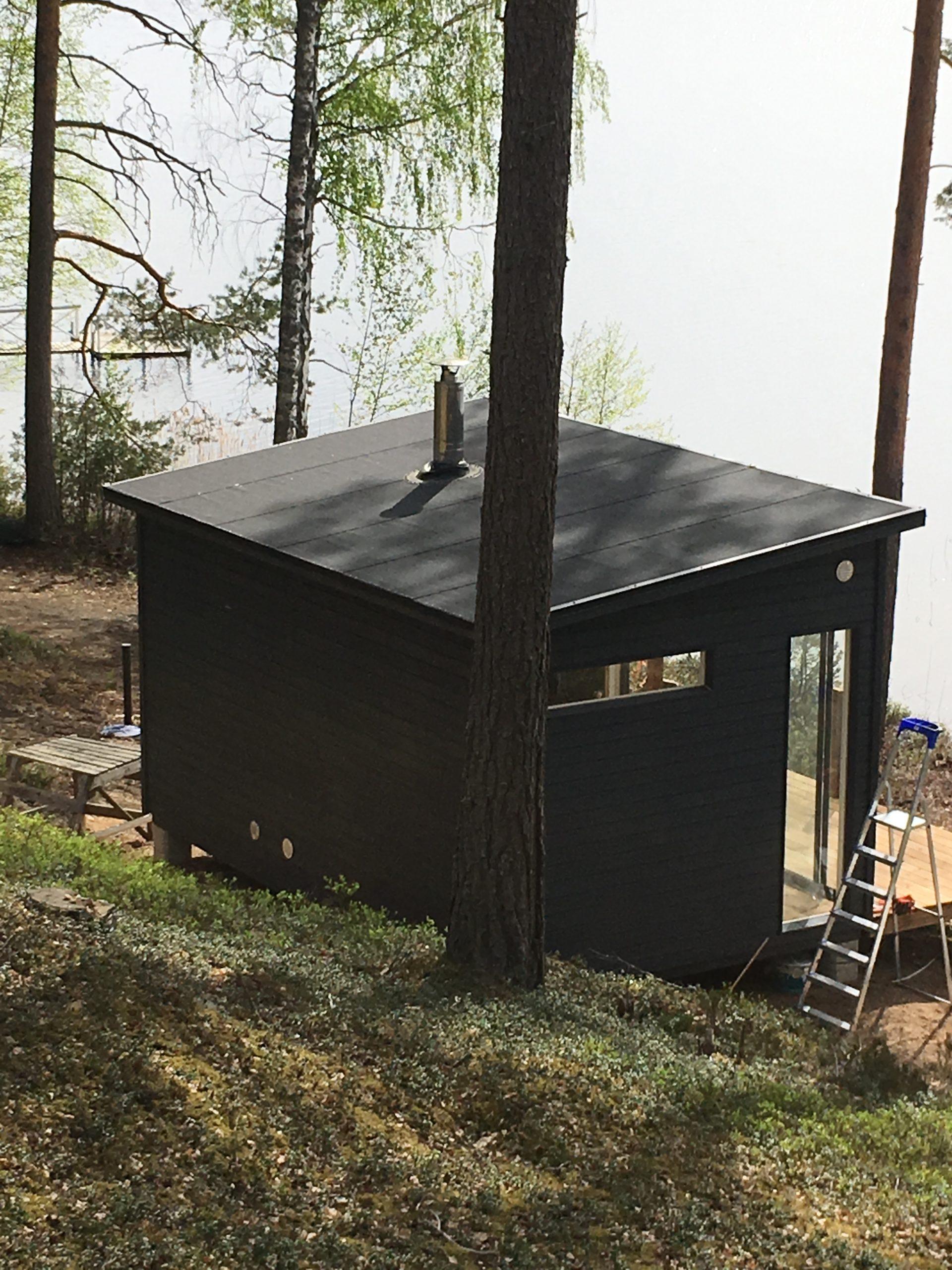 Huone1 Moderni Pihasauna 15 m2 järven rannalla