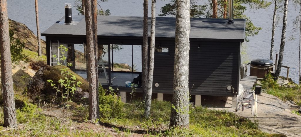 Huone1 moderni pihasauna_pukuhuone_kesäkeittiö 27 m2