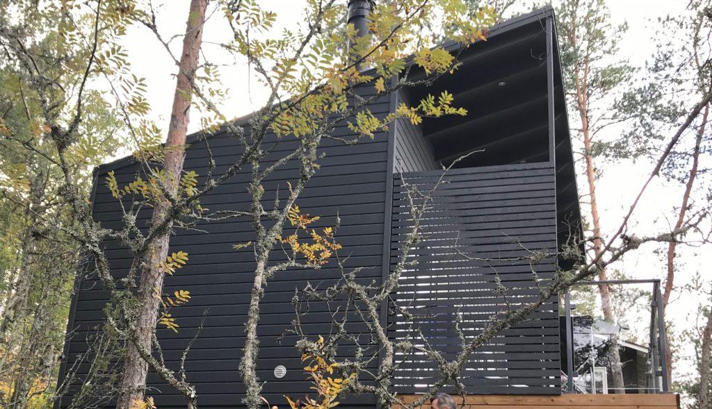 Huone1 moderni pihatalo valmistetaan asiakkaan toiveiden mukaan